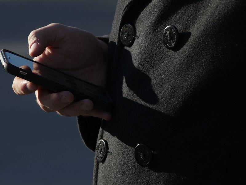 Мобильные телефоны являются «потенциально канцерогенными»